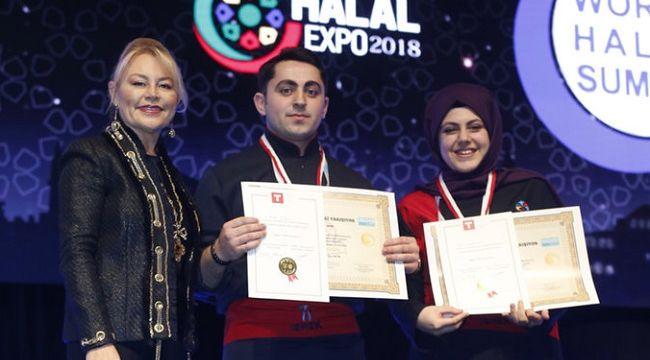Dünya Helal zirvesinde aşçılar yarıştı.