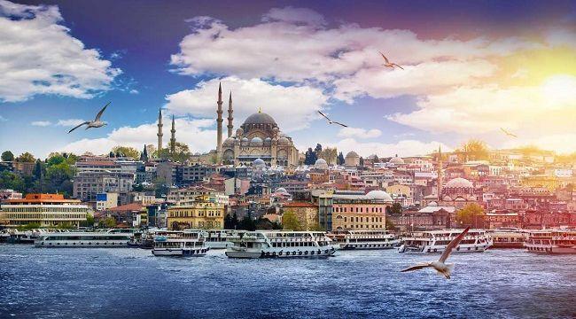 Binden fazla yabancı turizmci İstanbul'u ziyaret etti.