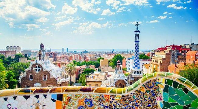 Barselona'nın dünyaca ünlü turizm ikonu Park Güell