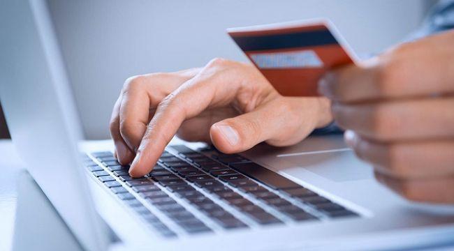 Online satışların %37'si tatil ve seyahat harcaması