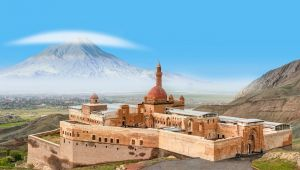 Doğu Anadolu'nun sizi mest edecek rotası: Van...