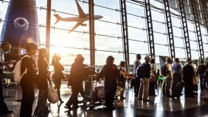 Havalimanlarında iç hat yolcu trafiği hızla artıyor