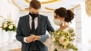 Pandemi nedeniyle düğünler 2021'e erteleniyor