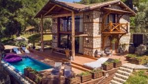"""Dünya'nın en lüks romantik villa oteli """"Prima Donna"""" Ödüle Doymuyor"""