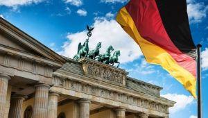 Almanya Koronavirüs kısıtlamalarını tekrar arttırıyor