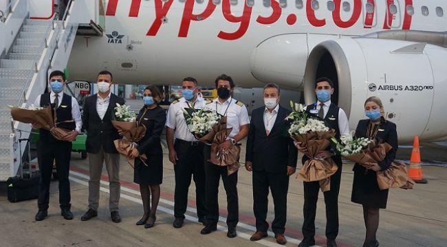 Gazipaşa-Alanya Kiev'den gelen ilk uçuşu karşıladı