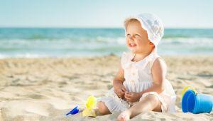 Tatilde bebekleri güneşten korumanın yolları !