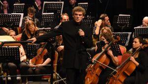 CRR Senfoni Orkestrası İstanbulluları Büyüledi